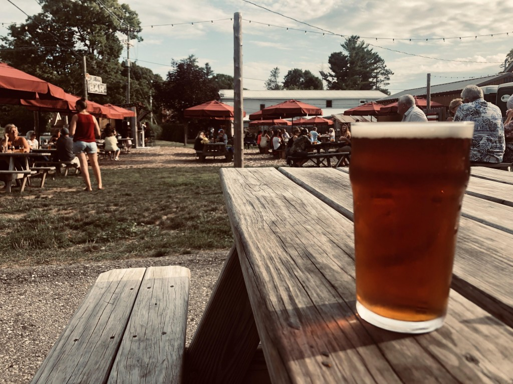 Labc Pint And Crowd