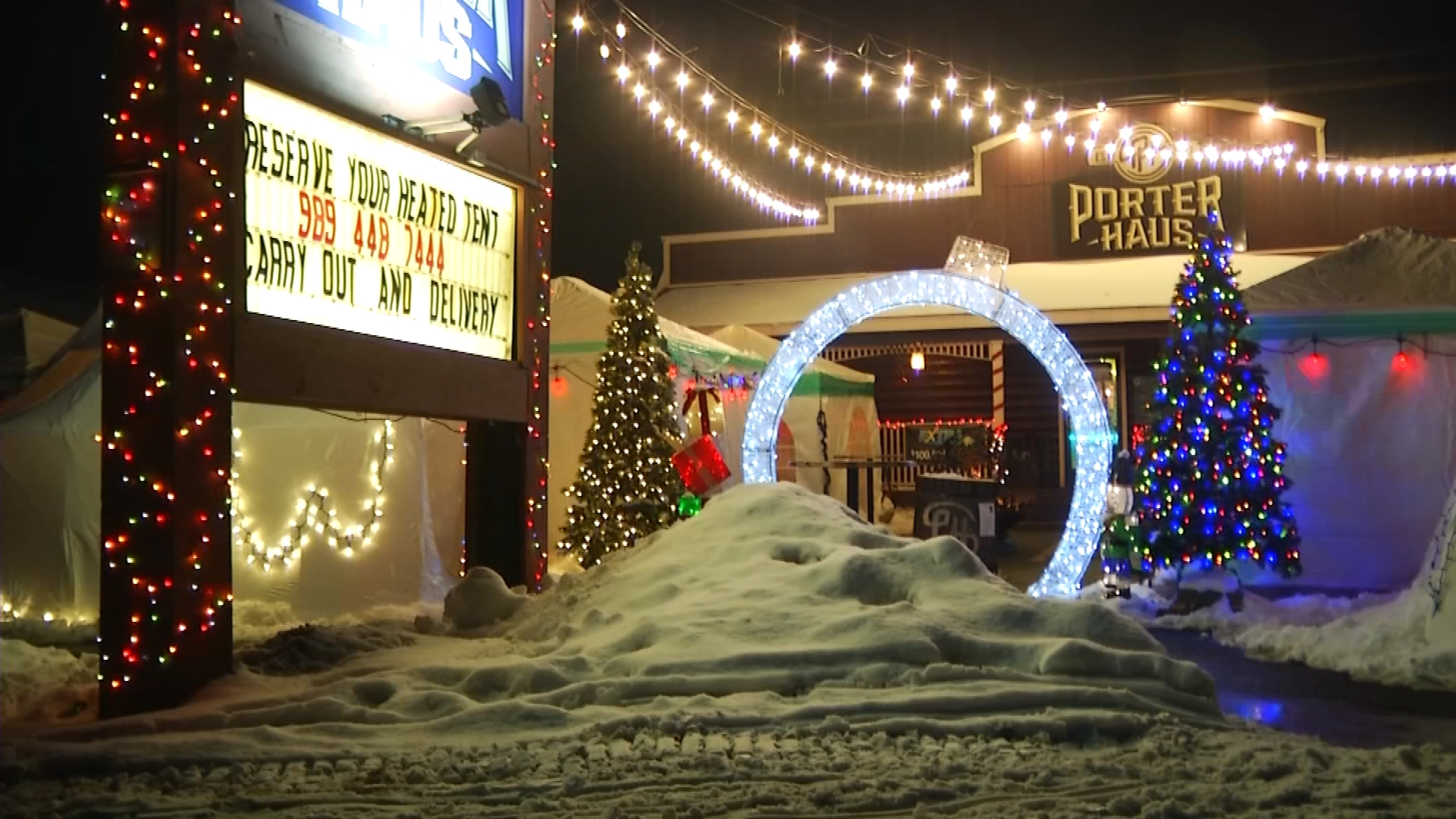 Gaylord S Porter Haus Restaurant Brings Christmas Spirit To Customers Employees With Outdoor Seating 9 10 News